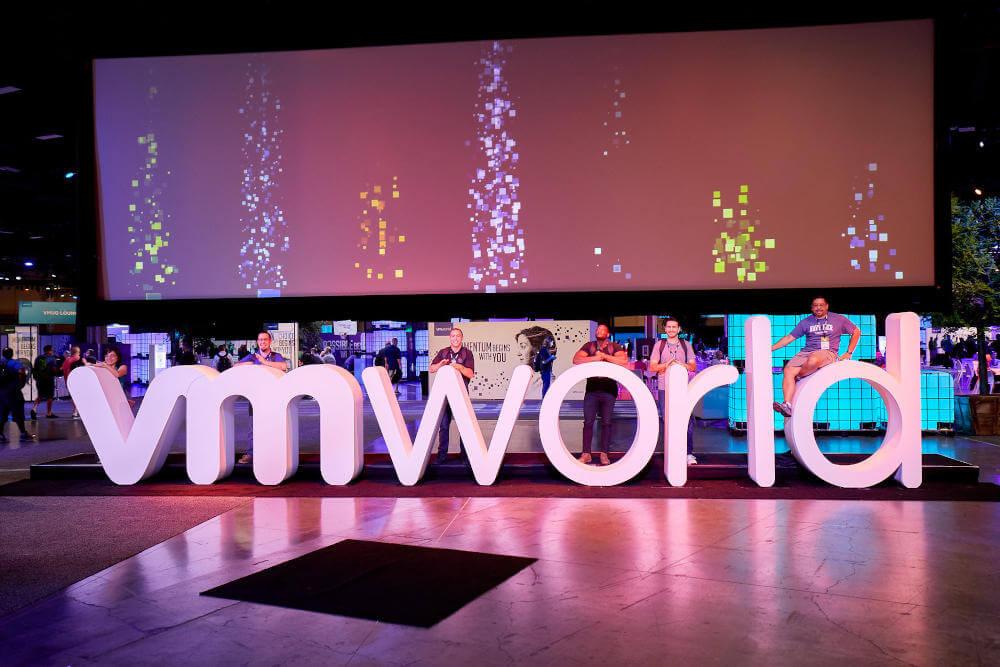 VMWare publikuje wyniki finanoswe, przejmuje Carbon Black i Pivotal