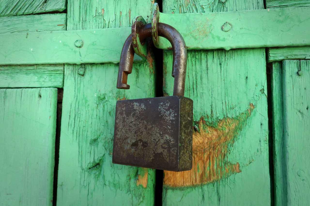 Aż 4 podatności znalezione w jednym z najbezpieczniejszych systemów operacyjnych