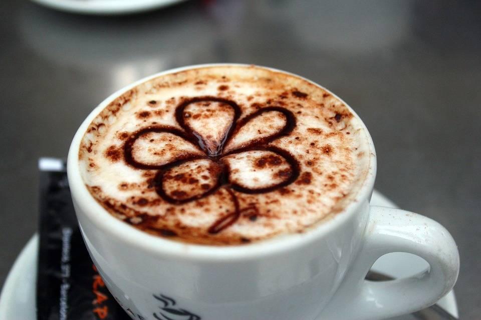 Darmowa kawa czy darmowa herbata? Coraz więcej niezależnych wydań Javy