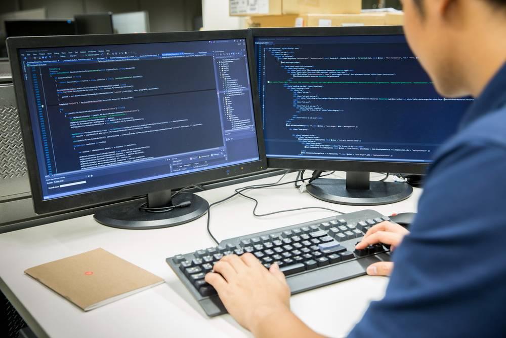 Czym zajmuje się programista?
