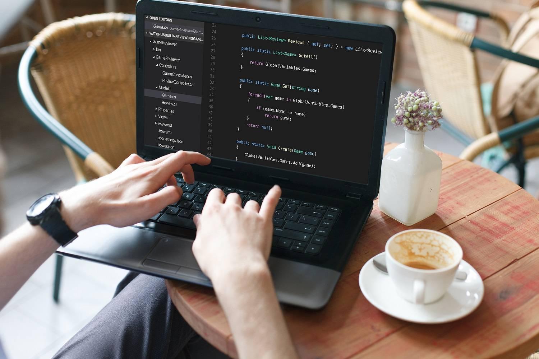 Programowanie – freelancing czy praca na etat?