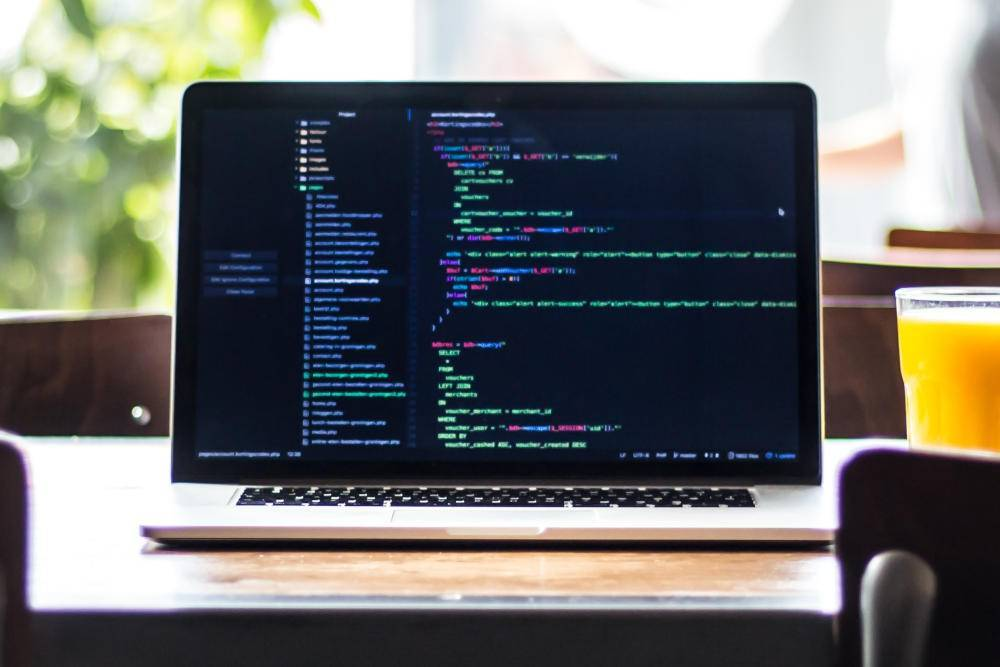 Deep TabNine – autouzupełnienie kodu tak dobre, że programista ma coraz mniej pracy