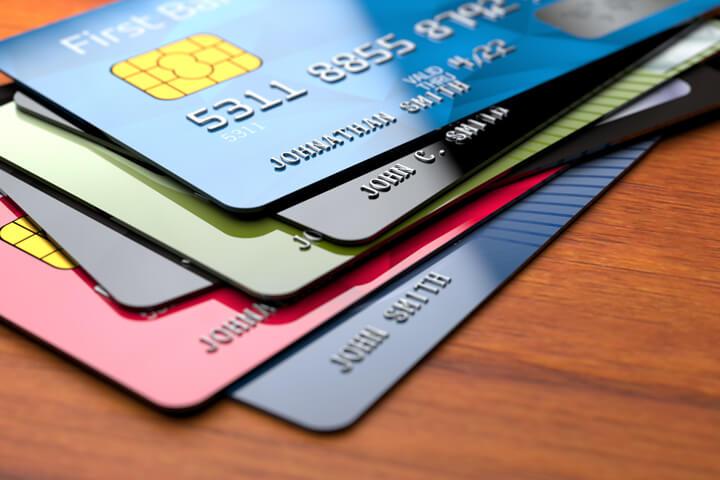 Zabraknie kart kredytowych i bankomatowych