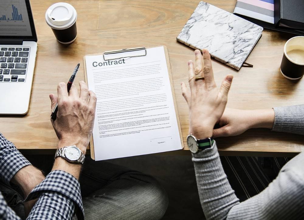 Umowa o zakazie konkurencji. Co każdy specjalista IT powinien wiedzieć?