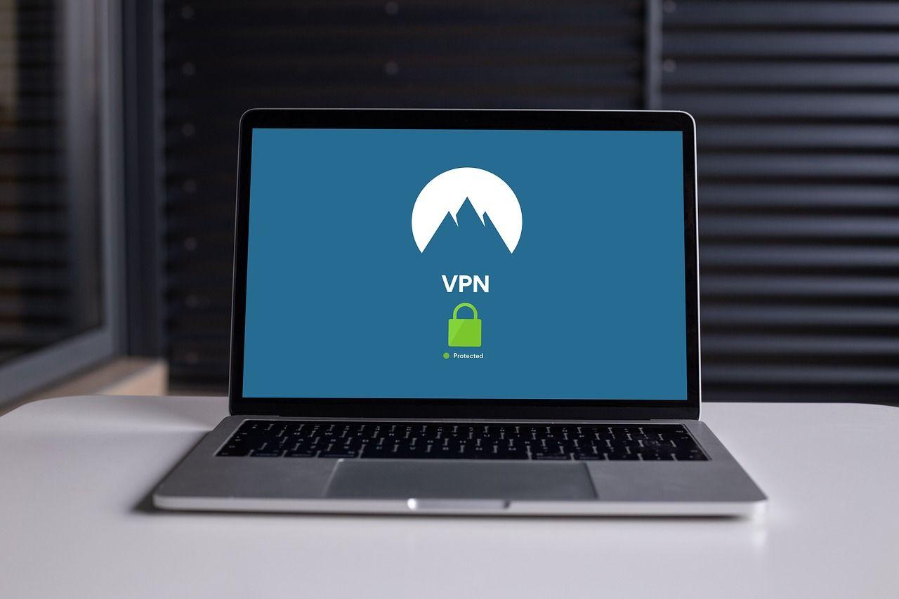 Błędy VPN pogrążą wybory w USA?